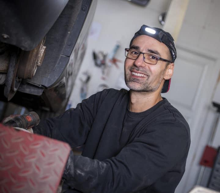 Nicolae Miron - bilmekaniker DekkTeam Lillehammer