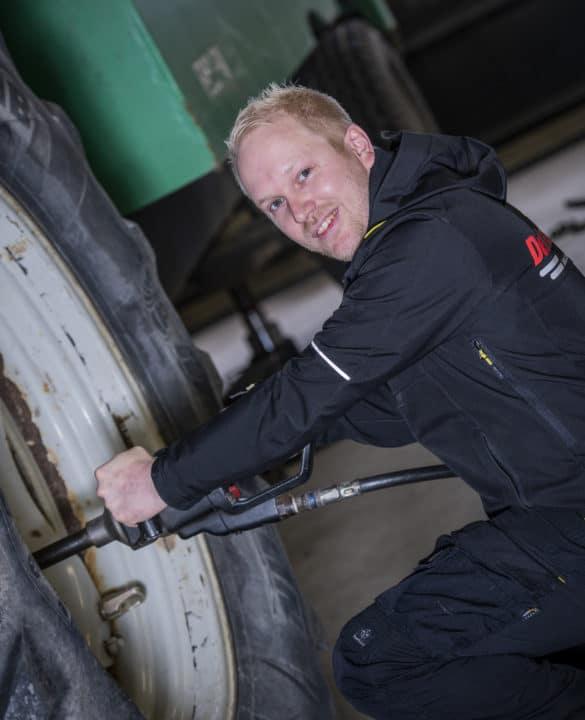 Kjetil Fladby - DekkTeam Jessheim kontakt ketilm om traktordekk